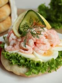 Peel One Up, It's Räkmackans Dag! Roundup Of Shrimp Sandwich Recipes