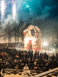 The Gävle Goat Is Back (We Hope For The Whole Christmas Season)