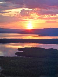 What Is The Midnight Sun? An Arctic Circle Phenomenon